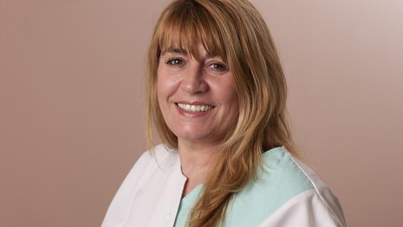 д-р Нина Еленкова-Пападопулу лекар по детска дентална медицина и класическа хомеопатия
