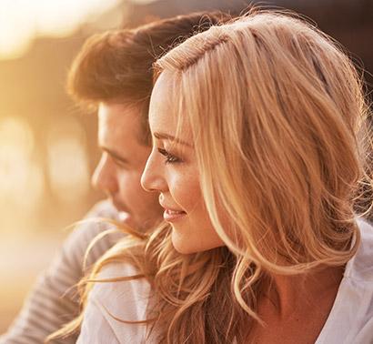 couple-watching-sunset