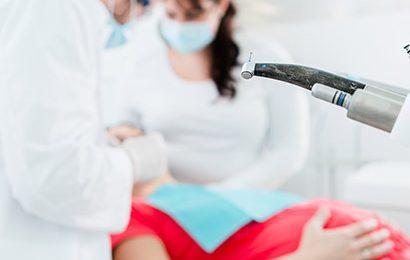 pregnant-woman-at-dentist-1
