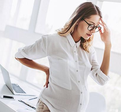 pregnant-woman-with-headache