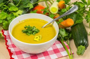 Супа от зелени алкални зеленчуци