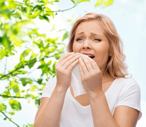 Жена с алергичен ринит