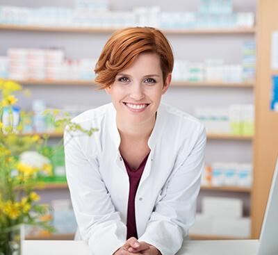 Жена фармацевт в аптека