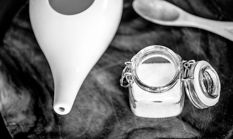 нети чайник за промивка на носа при хрема
