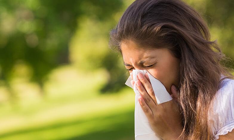 Жена с алергия