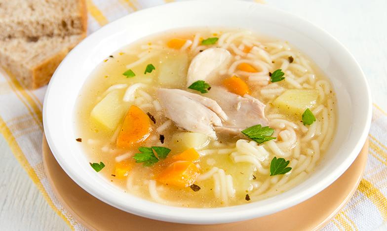 Пилешката супа - универсален лек при настинка, хрема и запушен нос